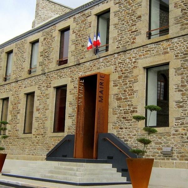 Mairie de Plouguenast : reprise du site